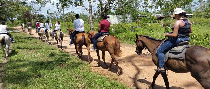 Xunantunich-Horseback-Riding