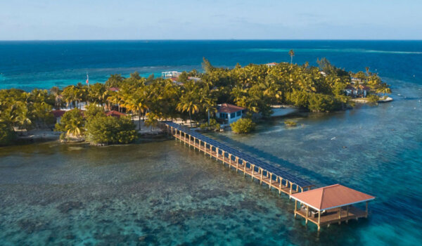 Ray-Caye-Resort